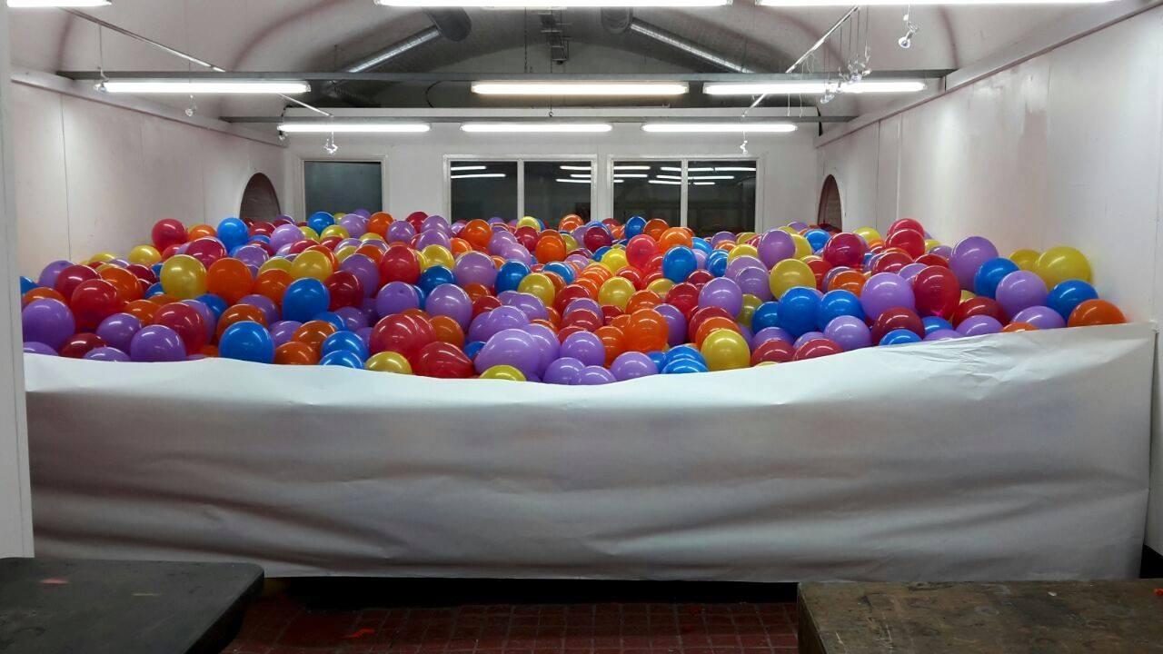 10,000 Balloons